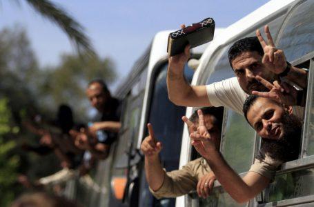 مسؤولون أمنيون : حماس مستعدة للتنازل عن عدد الأسرى المنوي الإفراج عنهم في صفقة تبادل أسرى