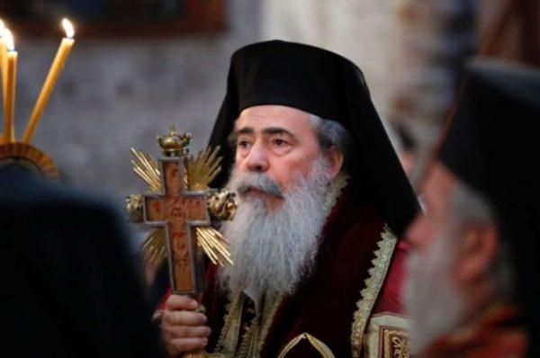 مطالبات فلسطينية بعزل البطريرك ثيوفيولس الثالث
