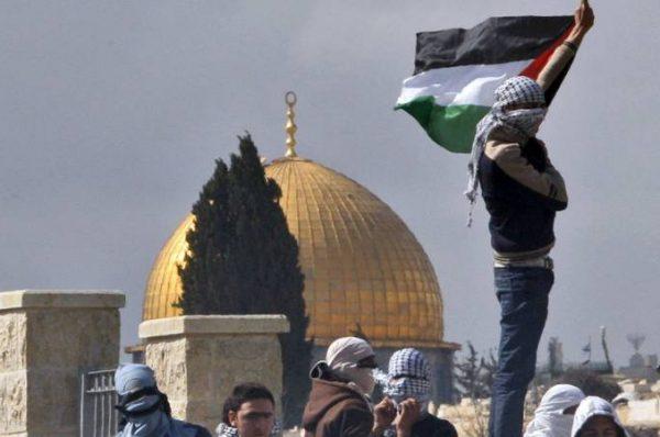 تطورات فلسطينية هائلة بعد 18 عاما على اندلاع انتفاضة الأقصى