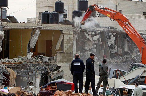 إسرائيل تشن حملة اعتقالات وهدم منازل في الضفة الغربية والقدس