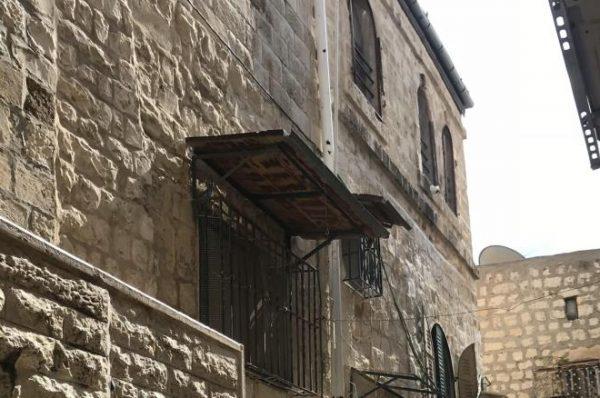 تصاعد أزمة تسريب العقارات في القدس بين السلطة وإسرائيل