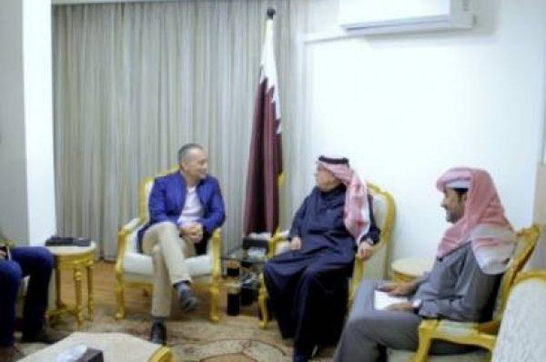 العمادي يلتقي ملادينوف لبحث الأوضاع بقطاع غزة