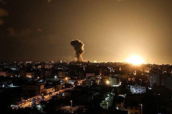 سقوط صاروخ في محيط قطاع غزة والجيش الاسرائيلي يستهدف مواقع للمقاومة في غزة