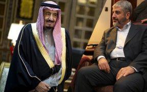"""أكدت حركة """"حماس""""، على الفترة السيئة التي تمر على علاقتها مع السعودية، والتي تجلت باعتقال السعودية لمسؤول العلاقات السابق ومن يمكن وصفه بأنه ممثل الحركة """"غير الرسمي"""" في المملكة محمد الخضري ونجله، خلال الثلث الأول من العام الماضي."""