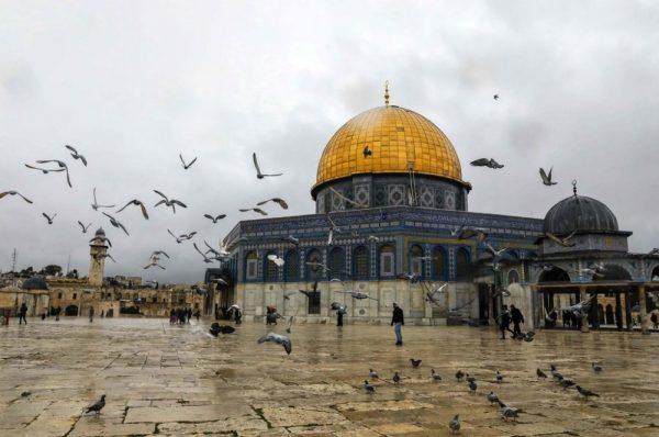 القدس المُحتلّة: الاحتلال يعتدي على مصلّين أرادوا الوصول للمسجد الأقصى