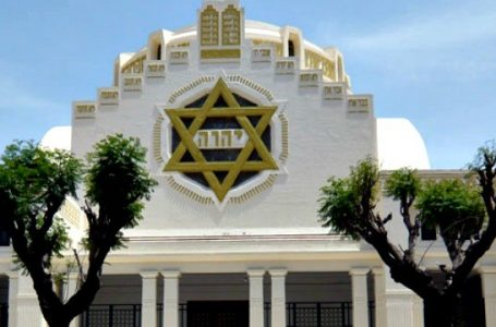 خدمة خمس نجوم لليهود في الإمارات وتقديم الطعام المباح أكله في الشريعة اليهودية