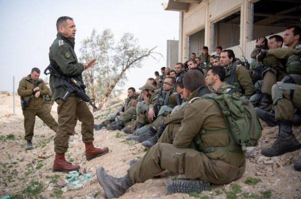 كوخافي يتفقد قواته شمالا وسط ترقب لرد متوقع من حزب الله