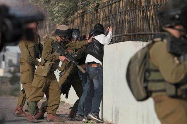 اعتقالات بالضفة والقدس طالت عدد من الأسرى المحررين وتوغل بغزة