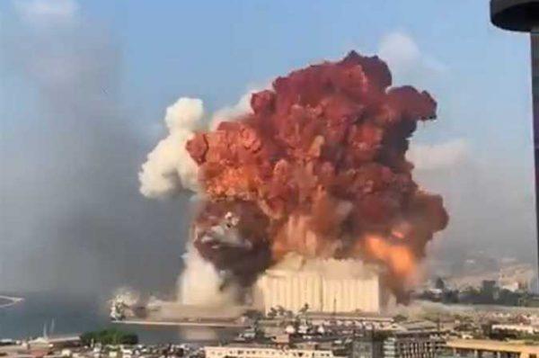 خبير اسرائيلي : سلسلة من الانفجارات الصغيرة سبقت انفجار بيروت الضخم