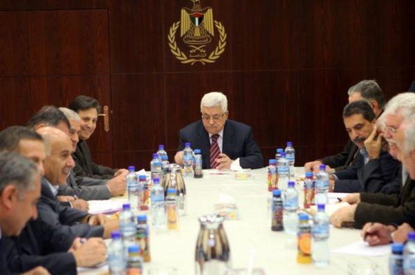 عباس يترأس إجتماع اللجنة المركزية لحركة فتح وسط إنقسام الحركة لأربعة قوائم ستشارك في الإنتخابات العامة