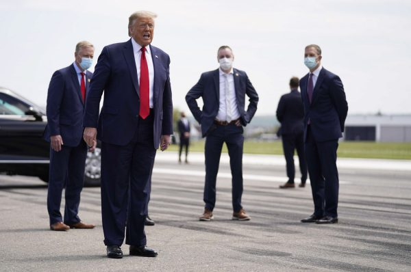 نقل الرئيس الأمريكي ترامب إلى مستشفى في واشنطن بعد تأكد إصابته بفيروس كورونا