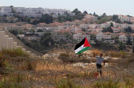 الخارجية الفلسطينية : ننتظر من المجتمع الدولي وخاصة الإدارة الأمريكية موقفا يجبر إٍرسرائيل وقف الإستيطان