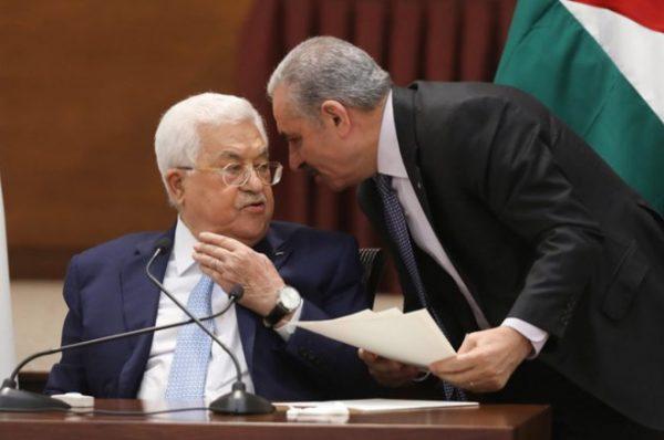 اشتية يعلن أن مرشح حركة فتح للرئاسة هو الرئيس الحالي محمود عباس ولامرشح غيره للحركة