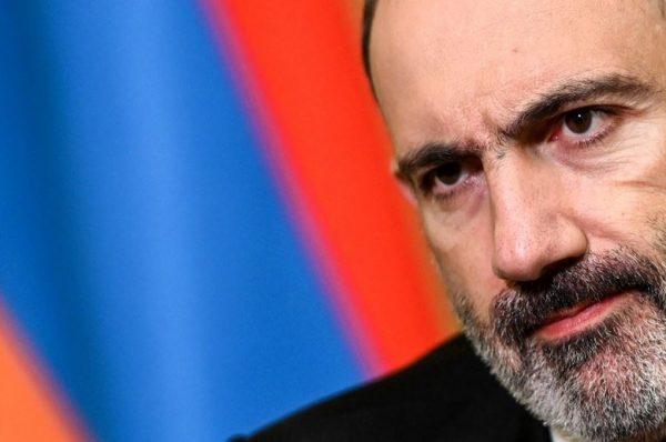 رئيس الوزراء الأرميني يقيل رئيس الأركان بعد محالولة انقلاب في البلاد