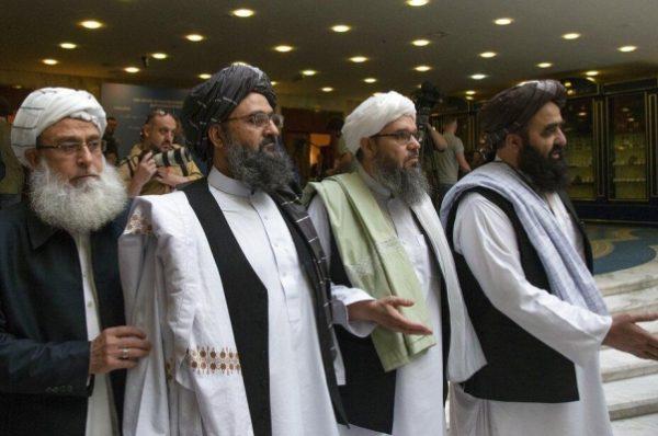 طالبان تعلن الاتفاق على استئناف مفاوضات السلام مع الحكومة الأفغانية في الدوحة