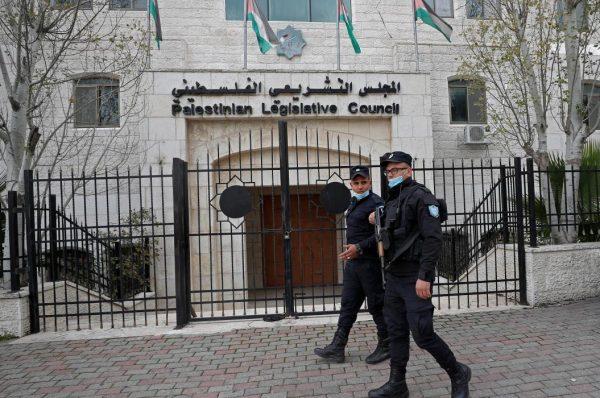 لجنة الانتخابات المركزية تفتح باب الترشح لانتخابات المجلس التشريعي الفلسطيني 2021