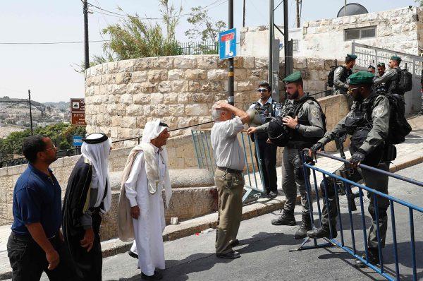 سحب بطاقة vip من المالكي رسالة من إسرائيل إلى السلطة الفلسطينية أن هذه البطاقة تعطى لمن يعمل وفق تعليماتنا فقط