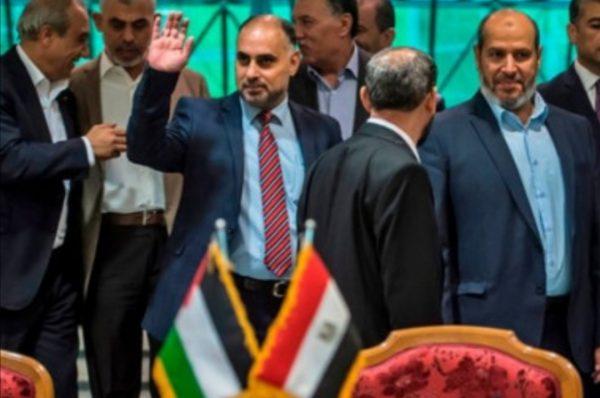 الفصائل الفلسطينية تنهي حورات القاهرة بالتوقيع على ميثاق شرف