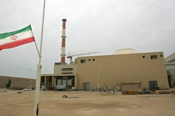 """محمد ظريف يعلن نية إيران تصعيد إجراءاتها النووية """"بشكل لافت"""" بعد استهداف منشأة نطنز"""