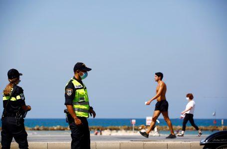 وزير الصحة الإسرائيلي يولي إدلشتاين يعطي تعليماته لإلغاء فرض ارتداء الكمامات في الأماكن المفتوحة