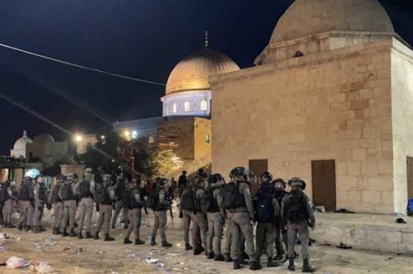 ارتفاع أعداد المصابين جراء اعتداء قوات الاحتلال على المصلين في المسجد الأقصى المبارك