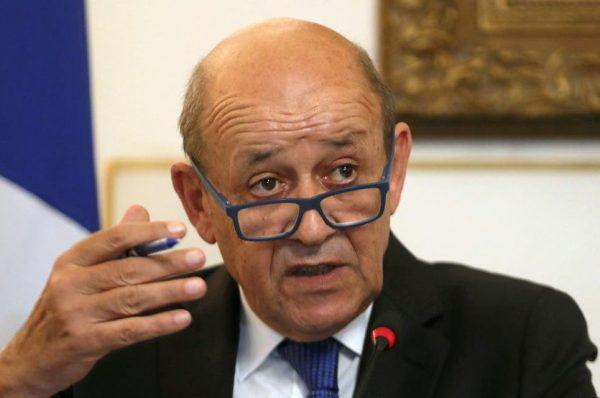 وزير الخارجي الفرنسي يشير للإصلاحات ويرفض التعمق في الحديث قمع الحراك الجزائري