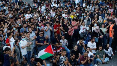 مطالبات شعبية لإقالة الرئيس الفلسطيني عباس وتنديداً بإغتيال بنات